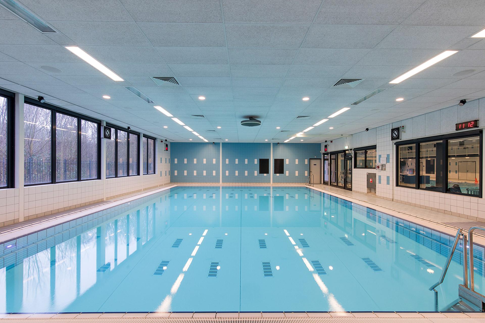 Gastvrijheid en sociale veiligheid in het zwembad silo